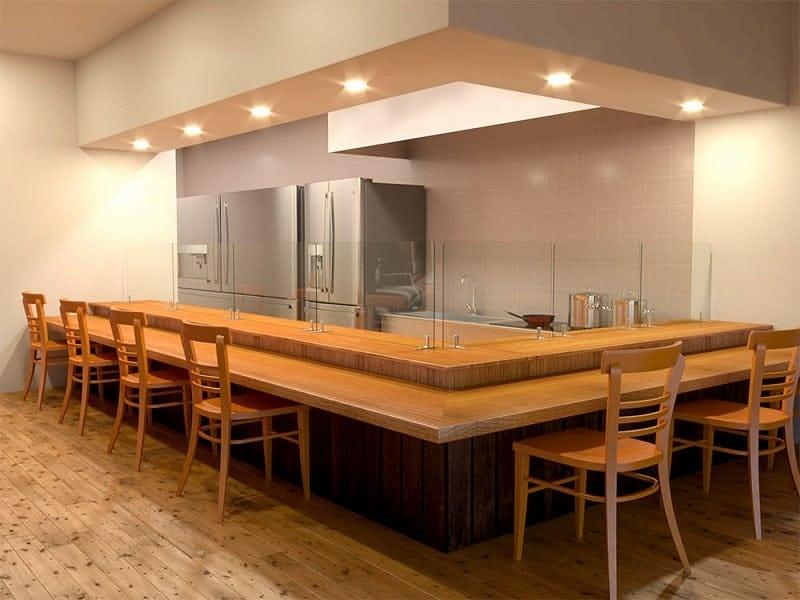 食堂で飛沫感染を防ぐために「飛沫ガード」を設置した事例