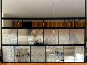 4種類の模様付きガラスを使用した事例