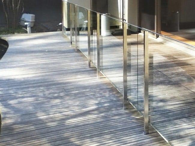 『透明強化ガラス』を使用した事例